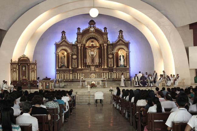 017  Mass at San Pedro Cathedral